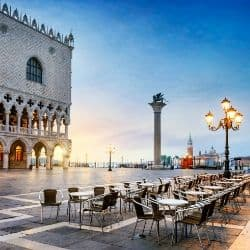 hotels on venice travel guide