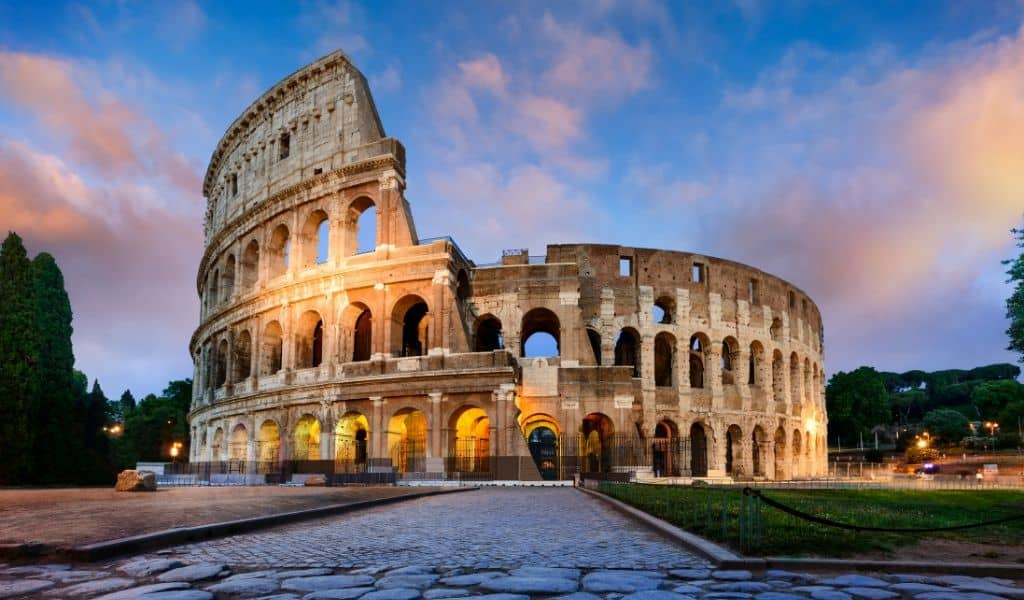 hotels close to the colosseum in rome italy