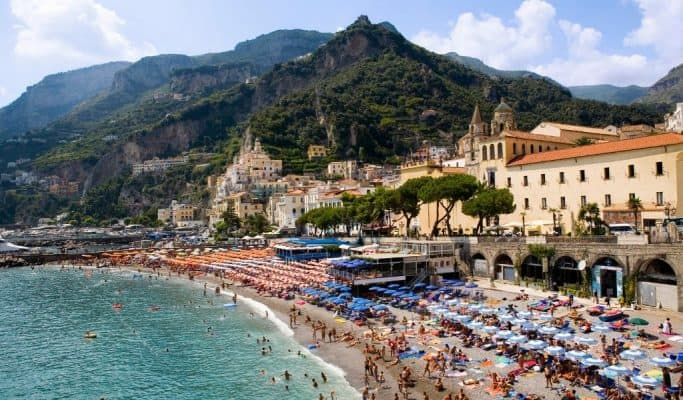 weather in italy in august - great for positano beach