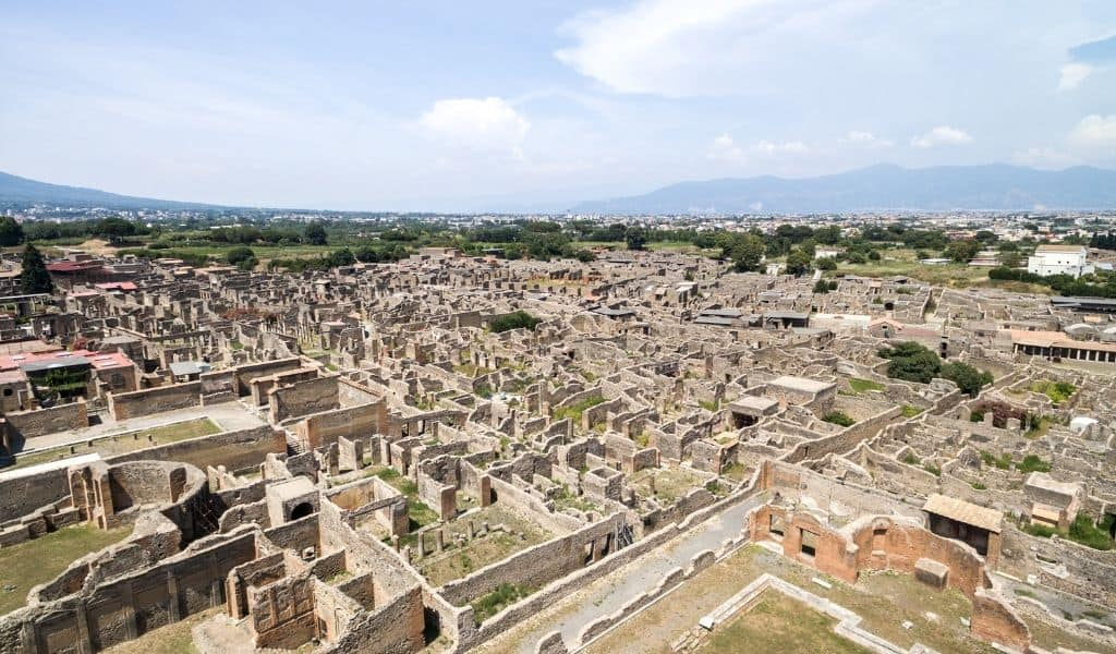 tours from rome to pompeii