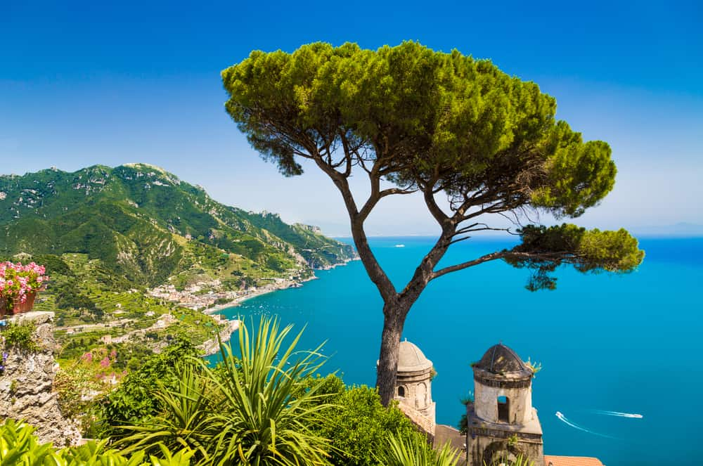 best escorted tours italy