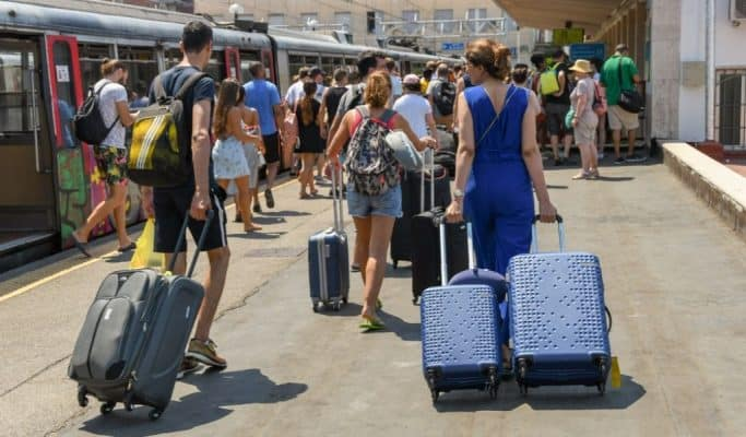 Train travel in italy with luggage