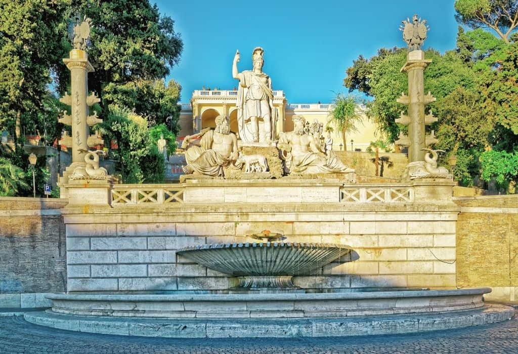 Fontana del Nettuno in Piazza del Popolo rome